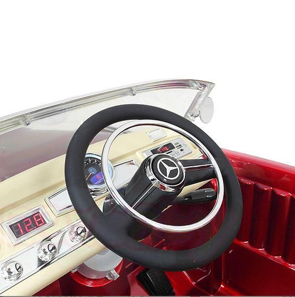 Детска акумулаторна кола Mercedes Benz 300S