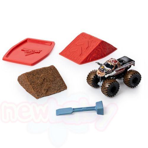 MONSTER JAM Стартов пакет пясък с бъги MONSTER DIRT TRUE METAL